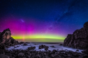 Aurora | Night Sky Photography Workshop , Phillip Island - Pinnacles at Cape Woolamai, Victoria Australia.