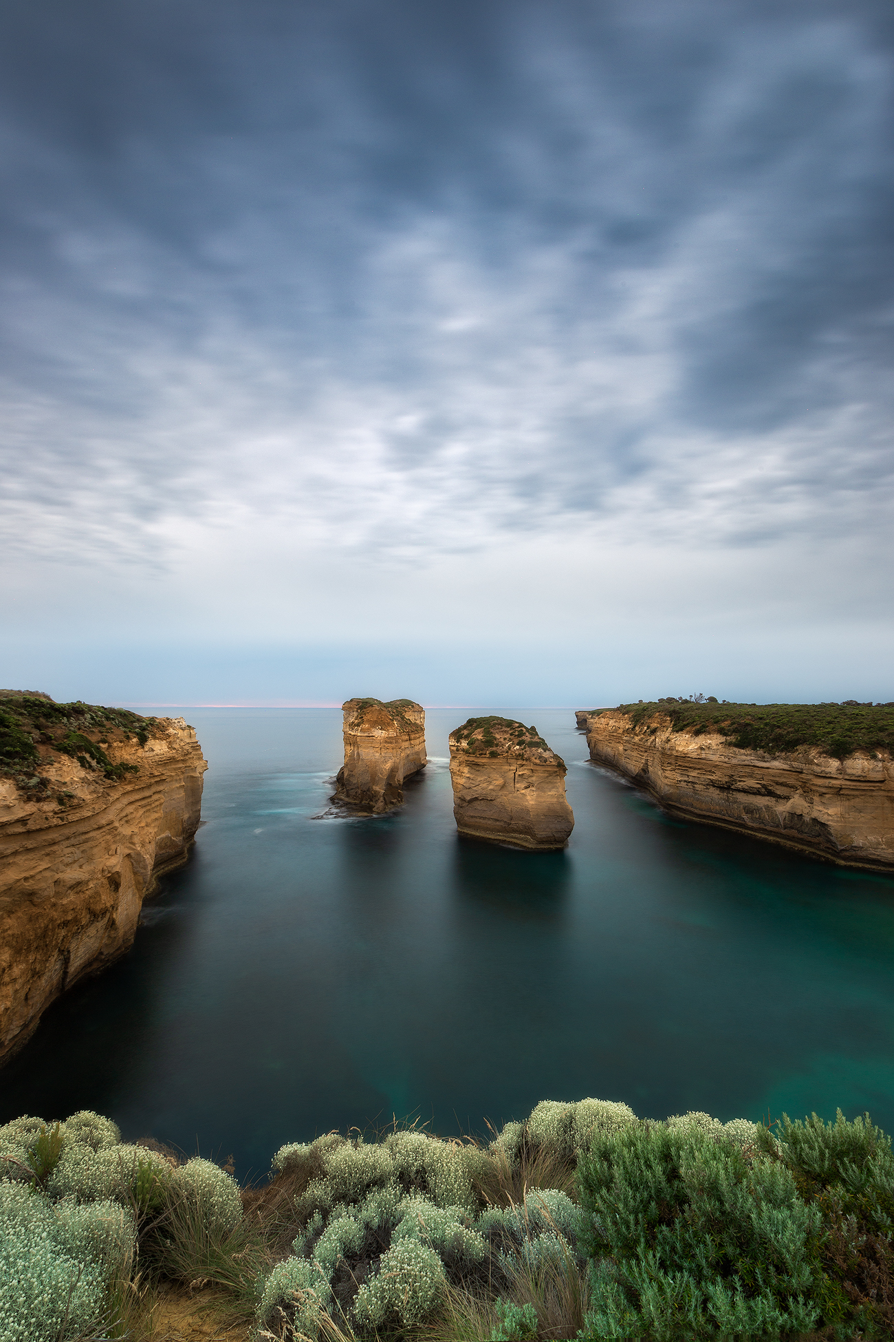 Tom and Eva Sunset - Loch Ard Gorge, Great Ocean Road, Australia | Holiday with We Are Raw Photography Tours