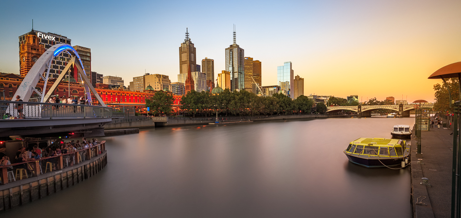 Melbourne photography course at Southbank along the Yarra River looking towards Flinders Street Station